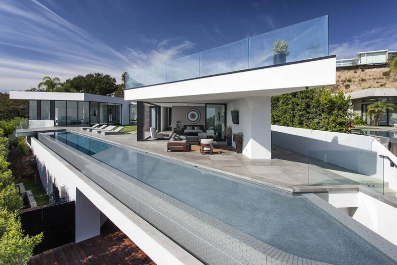 Calvin Klein Buys Beautiful Mansion In Hollywood Hills